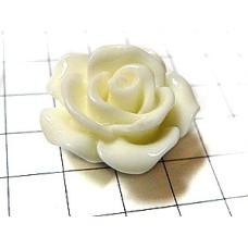ピンバッジ・白いバラの花